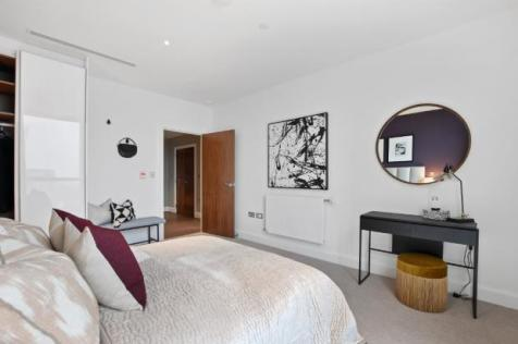 Tower 41 Mastmaker Road London,  E14 9XS. 2 bedroom flat for sale