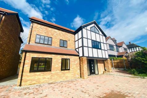 Meadow Way, Chigwell, IG7. 6 bedroom house for sale