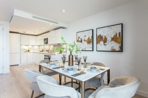 Goodwin Street,  Finsbury Park, London,  N4. 3 bedroom apartment