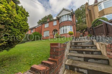 Usk Road, Pontypool. 3 bedroom detached house for sale