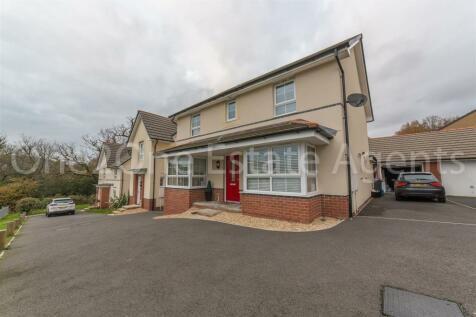 John Jobbins Way, Penygarn, Pontypool. 4 bedroom detached house for sale