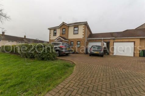 Brynhyfryd, Croesyceiliog, Cwmbran. 3 bedroom detached house for sale