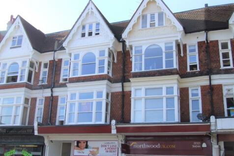 South Street, Eastbourne, BN21. 1 bedroom flat