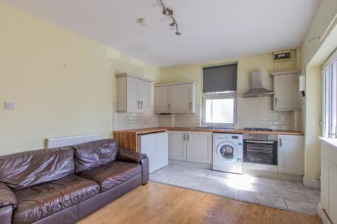 Glenroy Street, Roath. 2 bedroom private halls