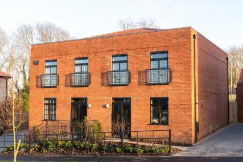 Saxon Fields,  Cockering Rd, Canterbury,  Kent,  CT1. 3 bedroom semi-detached house