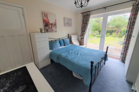 Beech Grove, Guildford. 1 bedroom house share