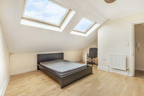 Queens Road, Guildford. 3 bedroom apartment
