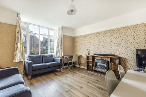 Beckingham Road, Guildford. 4 bedroom detached house