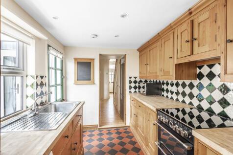 Worplesdon Road, Guildford. 4 bedroom terraced house