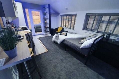 Carholme Road, Lincoln, Lincolnshire, LN1. Studio flat