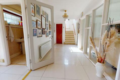 Prince Consort Drive, Chislehurst, BR7. 5 bedroom detached house for sale