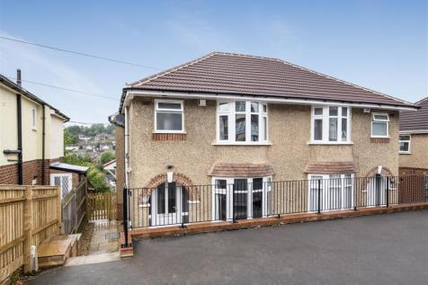 Colborne Road, High Wycombe. 4 bedroom semi-detached house