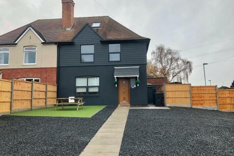 Martley Road, Worcester, Worcestershire, WR2. 5 bedroom semi-detached house