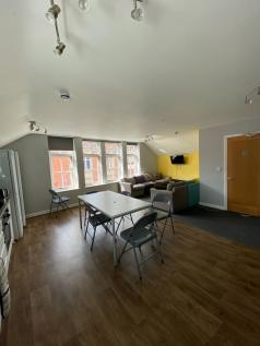Trinity Street, Worcester, Worcestershire, WR1. 6 bedroom apartment