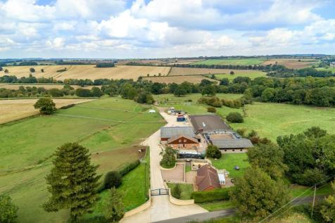 Pilton Road, North Luffenham. Equestrian facility for sale