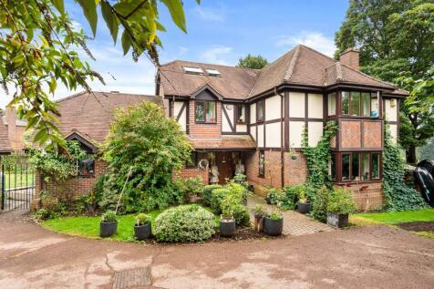 Emmer Green, Reading. 5 bedroom detached house for sale