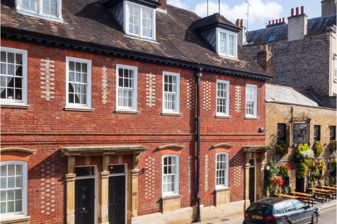 Park Street, Windsor. 4 bedroom town house for sale