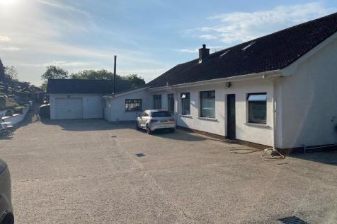 Bann Hill, Dromore, County Down, Northern Ireland, BT25. 4 bedroom bungalow