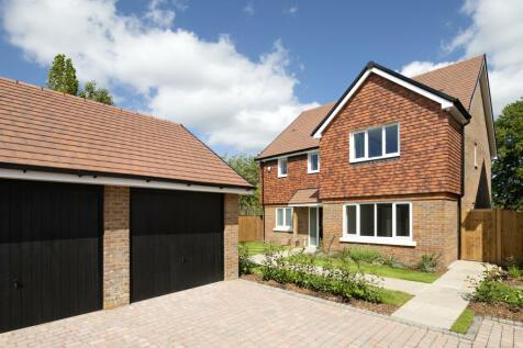 Carlton Road, Redhill, Surrey, RH2 0JG. 4 bedroom detached house for sale