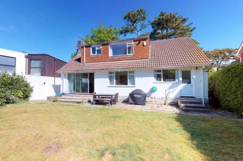 Ravine Road, Canford Cliffs, Poole. 3 bedroom detached house