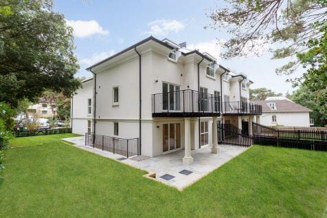 White Pines, 103 Lilliput Road, Poole. 3 bedroom flat