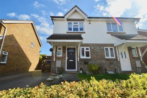 Richmond Drive, Gravesend. 2 bedroom semi-detached house