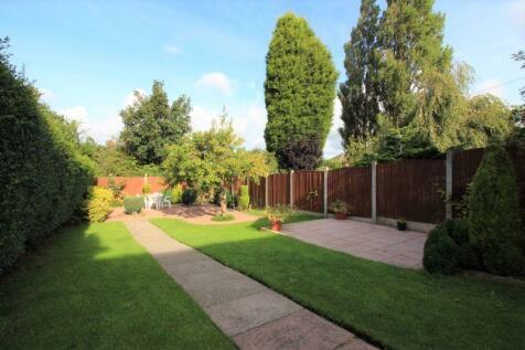 Milton Road, Sneyd Green, Stoke-On-Trent. 3 bedroom semi-detached house