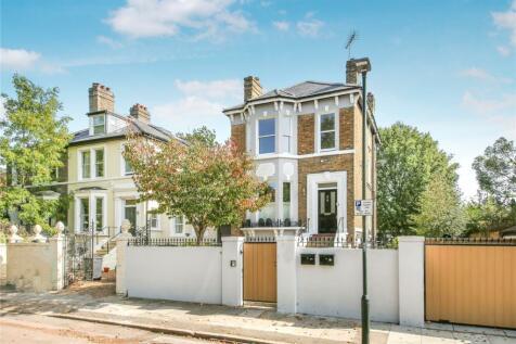 Heathcote Road, St Margarets, Twickenham, TW1. 3 bedroom duplex