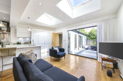 North Road, Kew, Richmond, TW9. 2 bedroom apartment