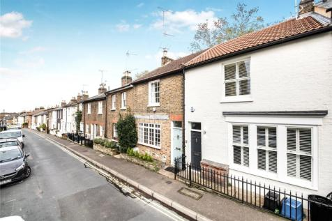 Princes Road, Richmond, TW10. 3 bedroom terraced house