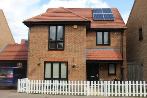 Egbert Close, Hornchurch, London, RM12. 4 bedroom link detached house