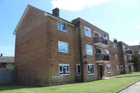 Beaumont Crescent, Rainham, Essex, RM13. 2 bedroom ground floor flat
