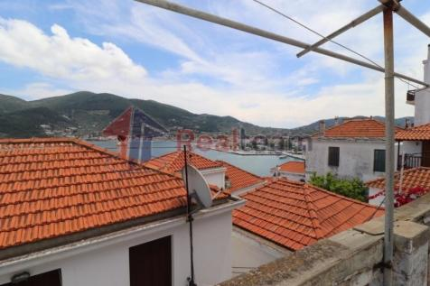 Main Town - Chora, Magnisia, Greece. 4 bedroom detached house