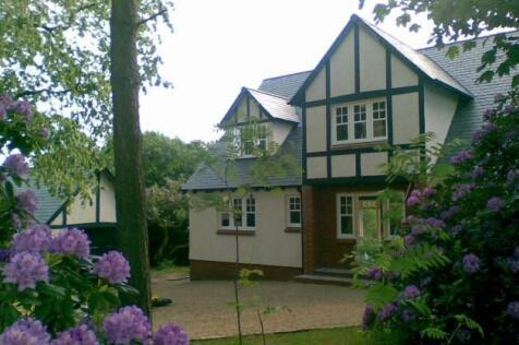Carsemeadow, Quarriers Village, Bridge of Weir, Renfrewshire, PA11. 4 bedroom detached house