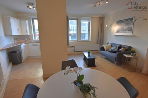 Loxley Court, St. James Street. 2 bedroom apartment