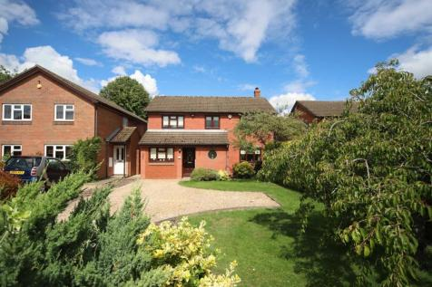 Thorntree Drive, Tring. 4 bedroom detached house for sale