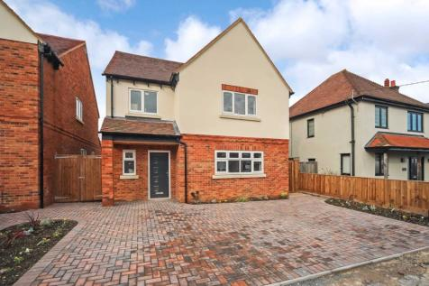 Beaconsfield Road, Tring. 5 bedroom detached house for sale