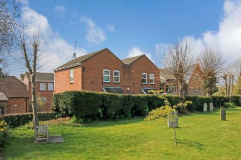 High Street, Tring. 4 bedroom detached house for sale