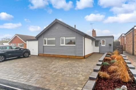 Tring. 4 bedroom bungalow for sale