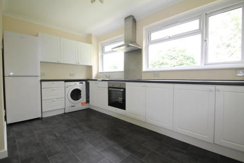 Clareville Road, Orpington. 2 bedroom maisonette