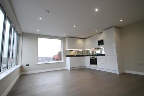 Broadway House, Bromley, BR1. 2 bedroom flat