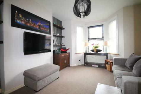 Ravensbourne Road, Bromley, BR1. 2 bedroom flat