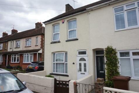 Henry Street, Rainham. 2 bedroom end of terrace house