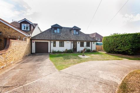 Swain Road, Wigmore. 4 bedroom detached house