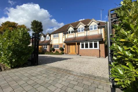 Longaford Way, Hutton Mount, Brentwood. 5 bedroom detached house for sale