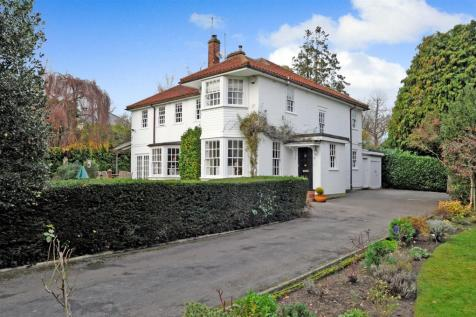Hillwood Grove, Hutton Mount, Brentwood. 4 bedroom detached house for sale