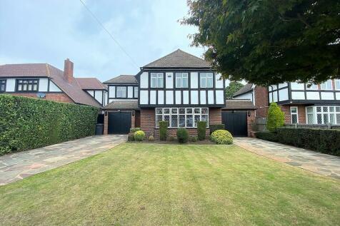 Clarendon Way, Chislehurst. 4 bedroom detached house for sale