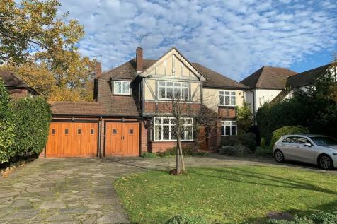 Berens Way, Marlings Park. 5 bedroom detached house for sale