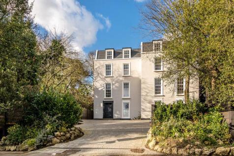 Yester Road, Chislehurst. 5 bedroom town house for sale