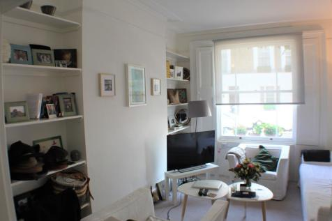 Abingdon Road, High Street Kensington, London, W8. 1 bedroom ground floor flat